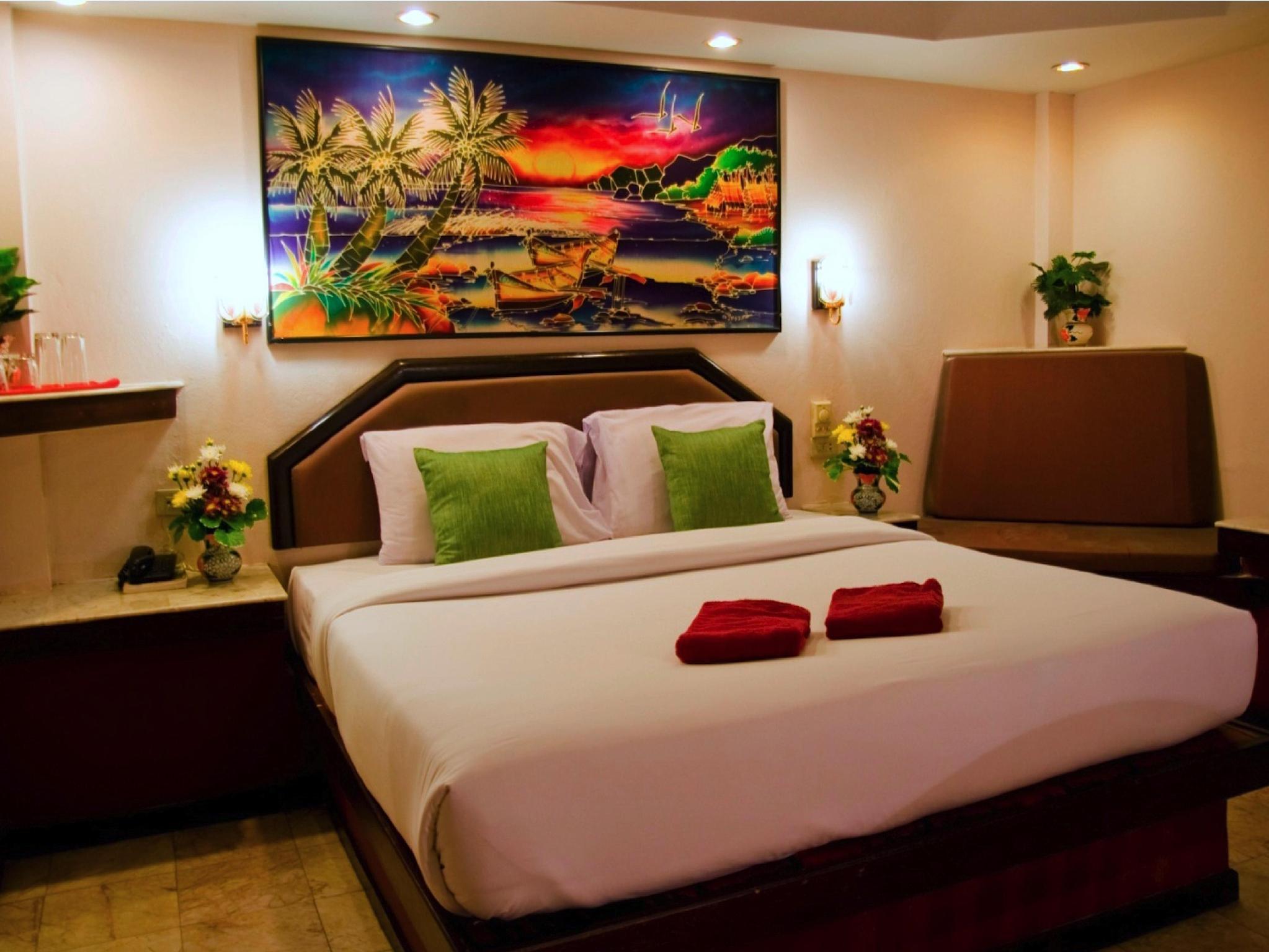 Hotell Paradise Inn i Karon, Phuket. Klicka för att läsa mer och skicka bokningsförfrågan