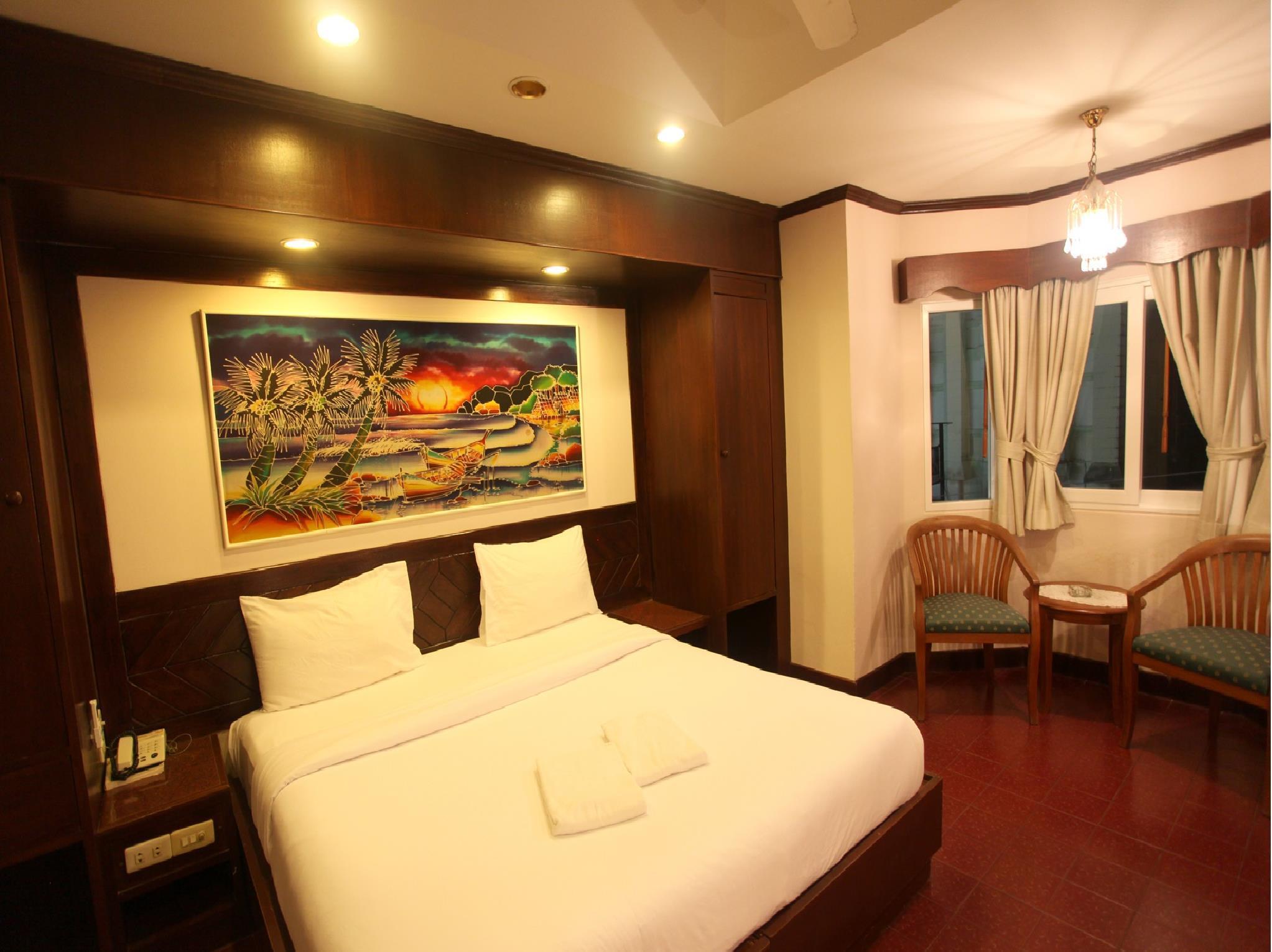 Hotell Karon Cafe  Inn i Karon, Phuket. Klicka för att läsa mer och skicka bokningsförfrågan
