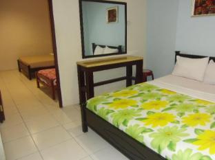 GW Furama Hotel Kuching - Family Room