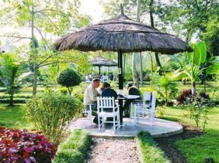 Unique Wild Resort Chitwan National Park - Garden Restaurant
