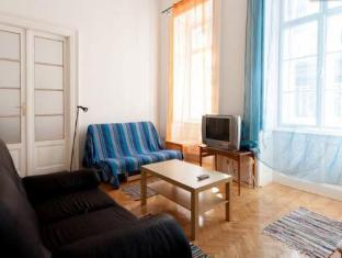 Queen Apartment Budapest - Guest Room