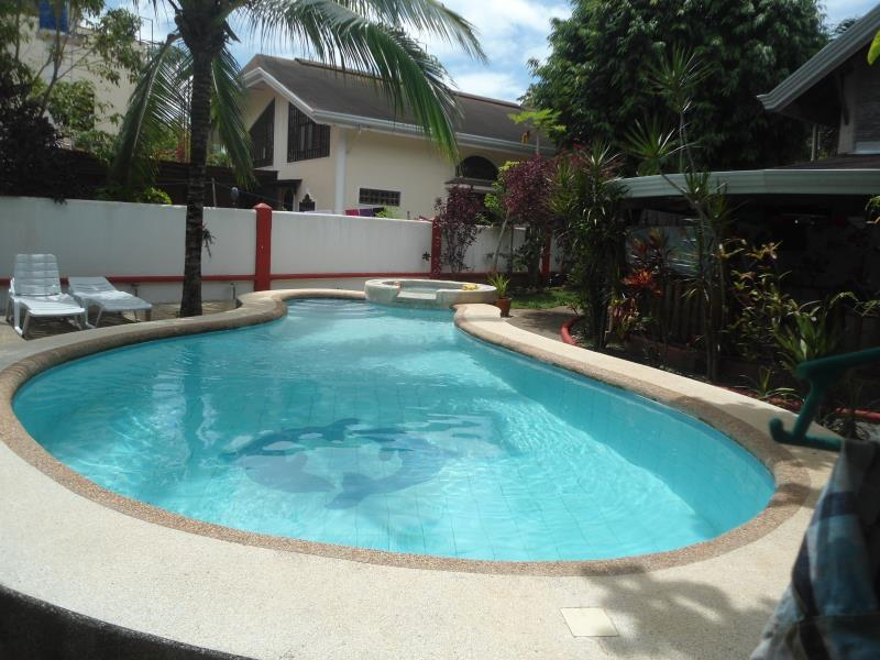 Menchus Pension House 보홀