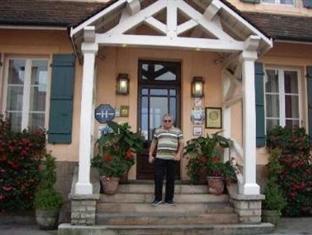 Hotel Chez Camille Arnay - Main Entrance