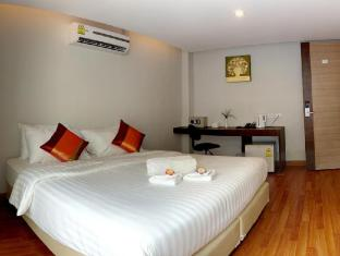 Nantra Sukhumvit 39 Hotel Bangkok - Deluxe Room