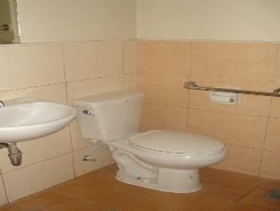 Alto Pension House Cebu - Toilet & Bathroom