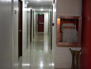 Alto Pension House Cebu City - Hotellet från insidan