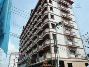 Tassanee Garden Lodge Pattaya - Hotel Building