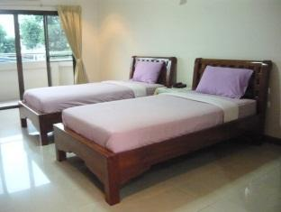 Tassanee Garden Lodge Pattaya - Standard Twin Bed