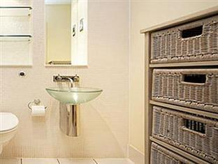 London Bridge Serviced Apartments London - Bathroom