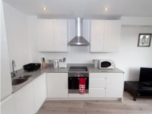 London Bridge Serviced Apartments London - Kitchen