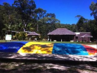 BIG4 Airlie Cove Resort and Caravan Park Whitsunday Islands - בית המלון מבחוץ