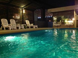 Nest Boutique Resort Bangkok - Swimming Pool