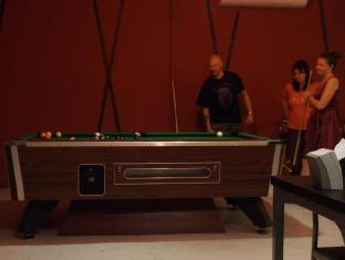 Nest Boutique Resort Bangkok - Pool game