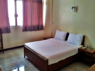 Tapee Hotel Suratthani - Kamar Tidur