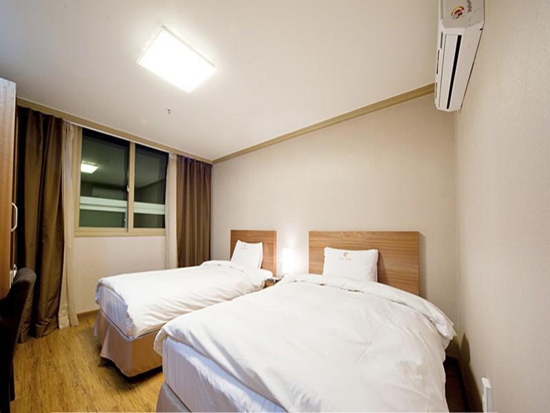 โรงแรม ไพรม์  (Hotel Prime)