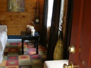 Bay Leaf Cottages & Bistro Lincolnville (ME) - Hotel Interior