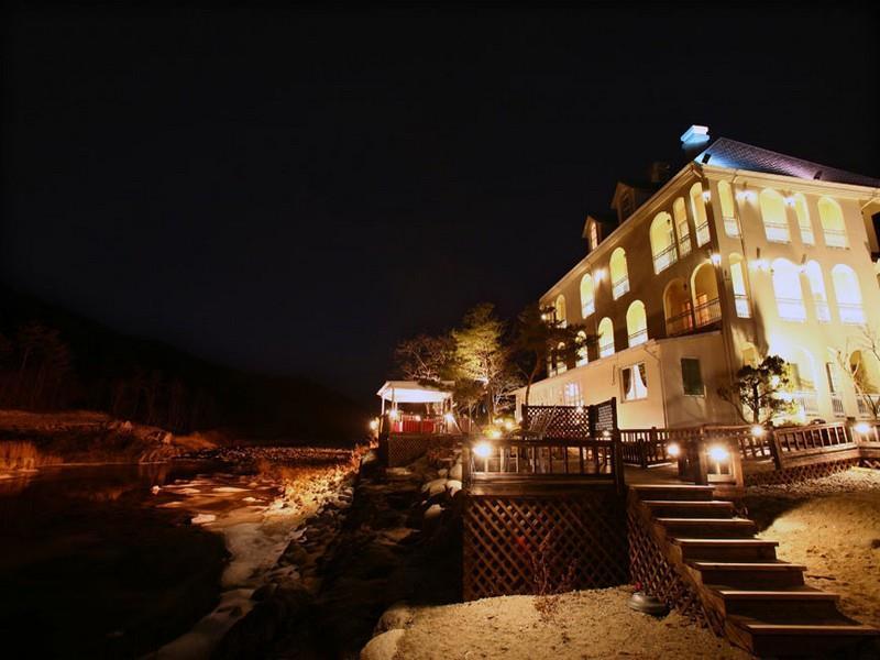 โรงแรม โคซี่เกสท์เฮาส์  (Cozy Guest House)
