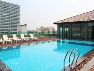 The Stay Hotel Pattaya - Rooftop Outdoor Swimming Pool