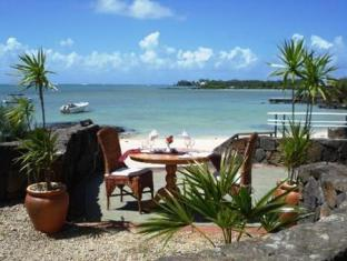 Calodyne Sur Mer Hotel Mauritius Island - Food, drink and entertainment