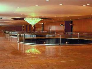 Hilton And Towers Hotel New York (NY) - Lobby