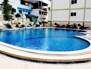 LK Grand Living Place Pattaya - Swimming Pool