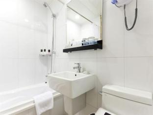 Hotel Seven Street Seoul Seoul - Superior Triple Bathroom