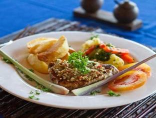 Bay Shore Hut's Lembongan Bali - Food, drink and entertainment
