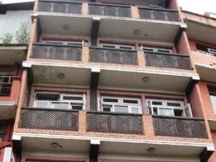Kathmandu Holiday Inn Katmandu - Hotellet från utsidan