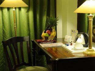Grand Hotel - Kathmandu Kathmandu - Writing Desk