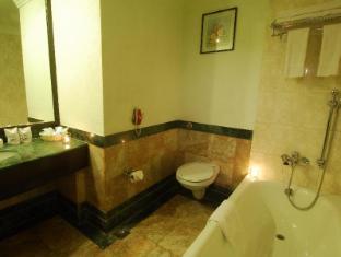 Grand Hotel - Kathmandu Kathmandu - Bathroom