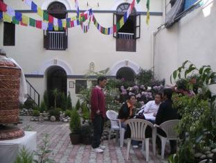 Hotel Himalaya Yoga Kathmandu - Garden