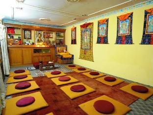 Hotel Himalaya Yoga Kathmandu - Meditation Hall