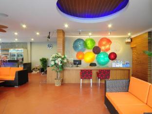 Phu NaNa Boutique Hotel Phuket - Resepsionis