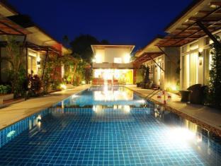 Phu NaNa Boutique Hotel Phuket - Kolam renang