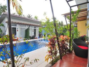 Phu NaNa Boutique Hotel بوكيت - بلكون/شرفة