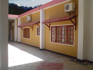 Hotel Hillview Kandy - Front Porch