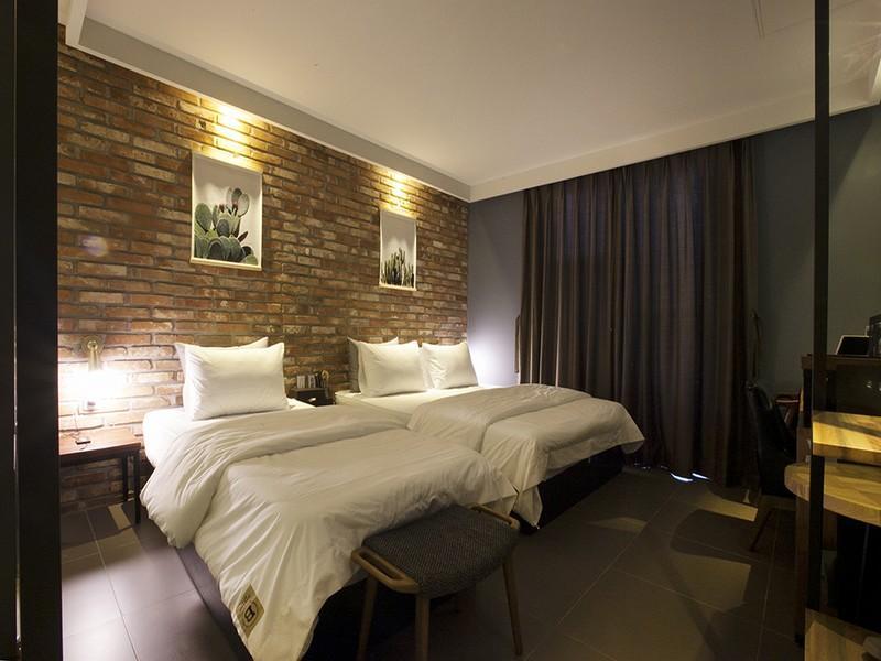 โรงแรม ฟีล โมเต็ล  (Feel Motel)