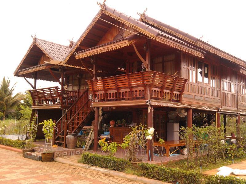 Ruenthai Rimnam Resort - Suratthani