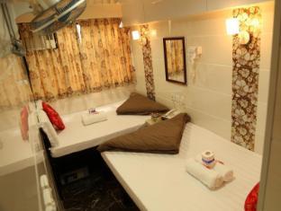New Tokyo Hostel Hong Kong - Triple Bed ( Double Plus Single)