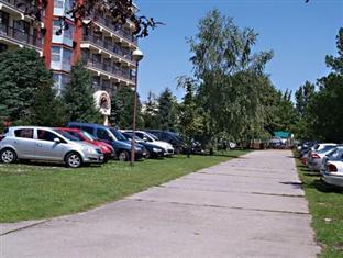 Spahotel Matyas Kiraly Hajduszoboszlo - Parking