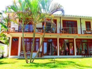 River Side Inn Fuji - Hotels and Accommodation in Sri Lanka, Asia