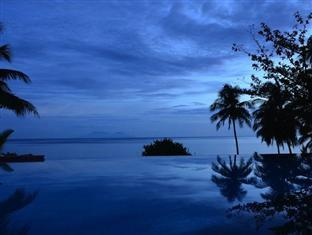 Amun Ini Beach Resort & Spa Bohol - Dusk at the Pool