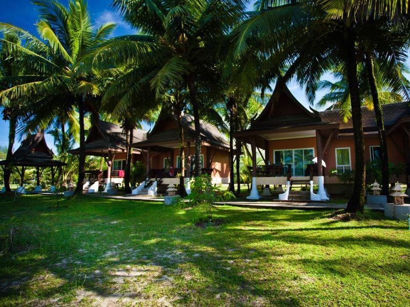 C&N Kho Khao Beach Resort