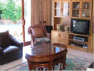 Cape Town Palms Guesthouse Cape Town - Suite Room