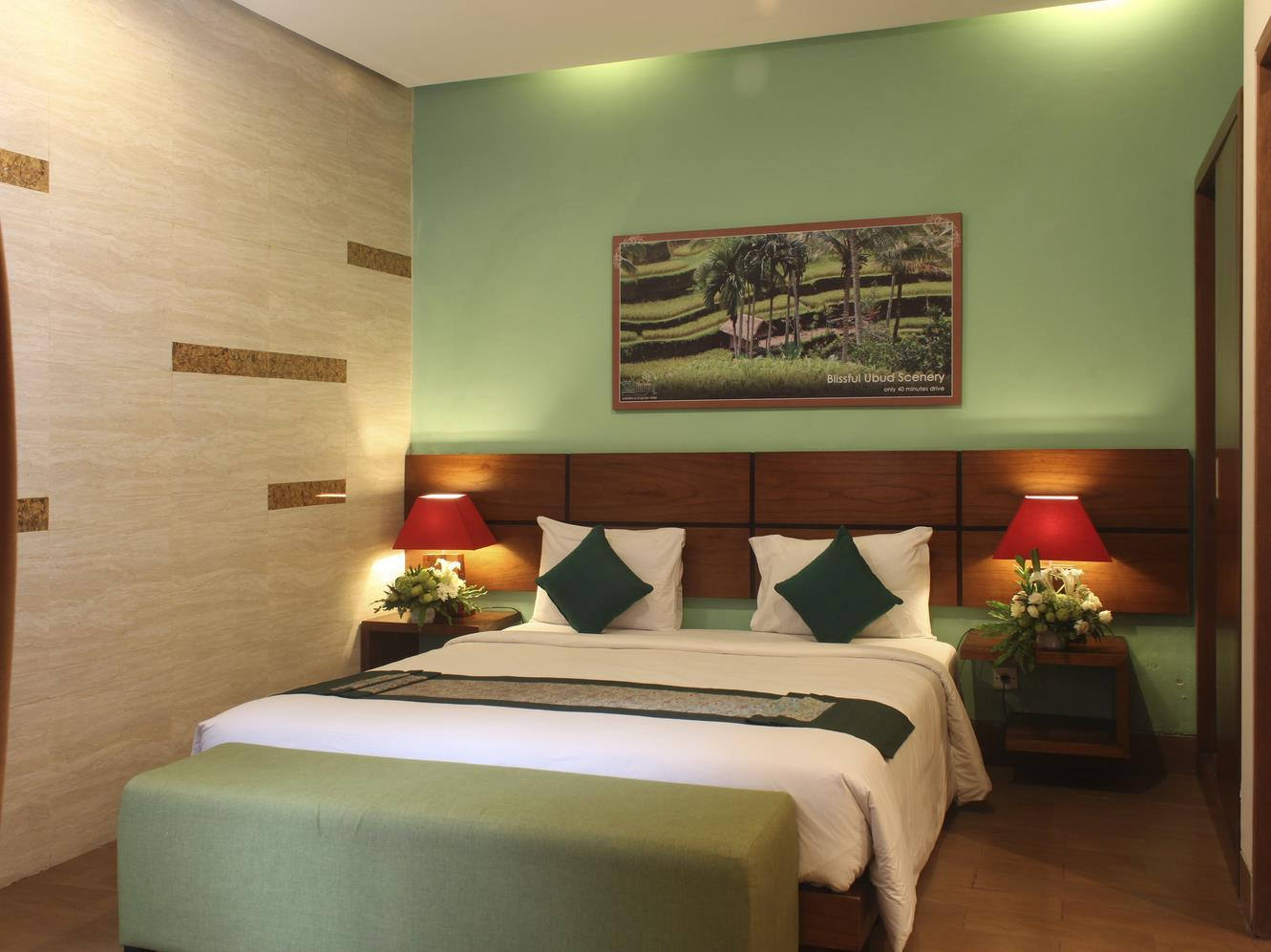 绿色朱尔加套房酒店