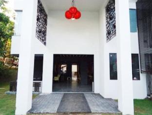 Hotel 16 Degrees North North Goa - Hotel Entrance