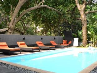 Hotel 16 Degrees North North Goa - Swimming Pool