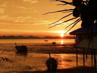 林世飯店 普吉島 - 沙灘