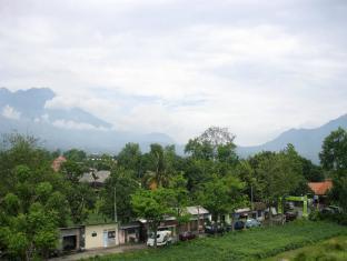 Villa Mirama Pasuruan - Surroundings