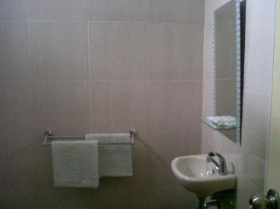 Hotel Pasuruan Pasuruan - Bathroom